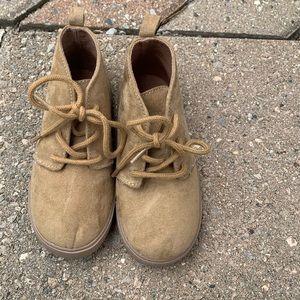 GAP Chukka Boots